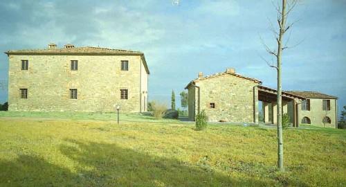 Stuccatura con malta adeguata di vecchie murature.
