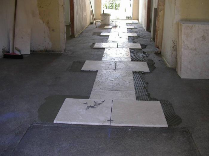 Pavimenti squadratura dei locali messa in opera dei pavimenti a colla come fare - Posa piastrelle pavimento ...