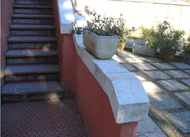 Copertine particolari in cemento per parapetti terrazzi e - Scale da esterno in muratura ...