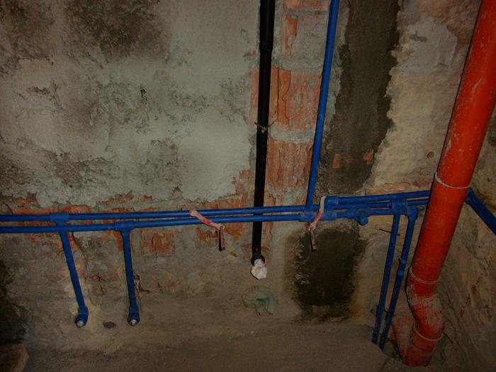 Impianto idrico nel bagno wc acqua calda e fredda dei - Costo water bagno ...