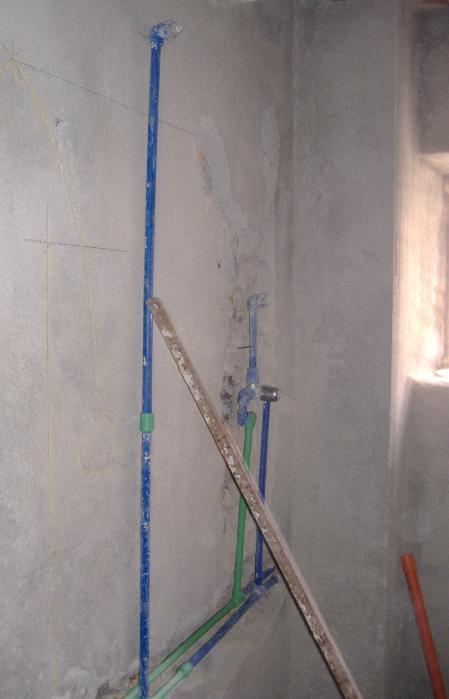 Impianti idrico e fognario come evitare le modifiche durante il corso dei lavori - Doccia con tubi esterni ...