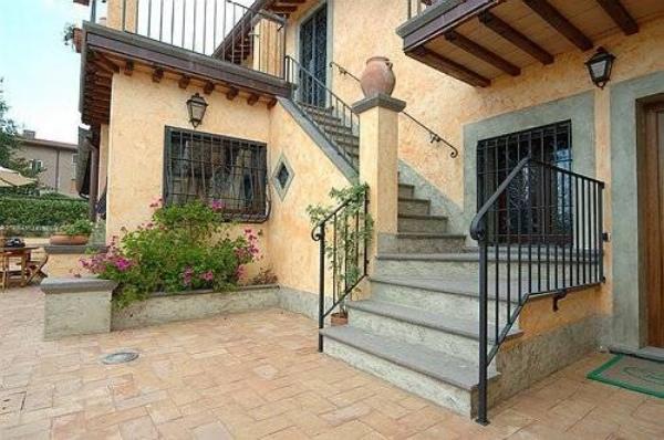 Zoccolo per esterno casa. best pavimenti in porfido un tocco di