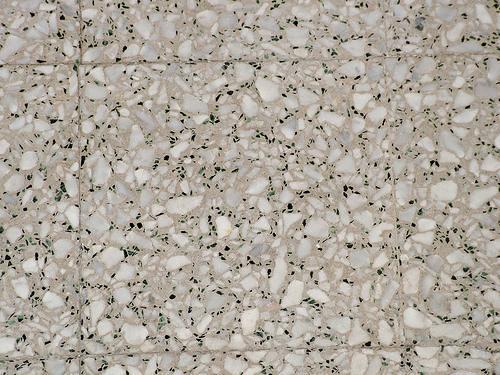Pavimento in mattonelle di graniglia come fare - Rimuovere cemento da piastrelle ...