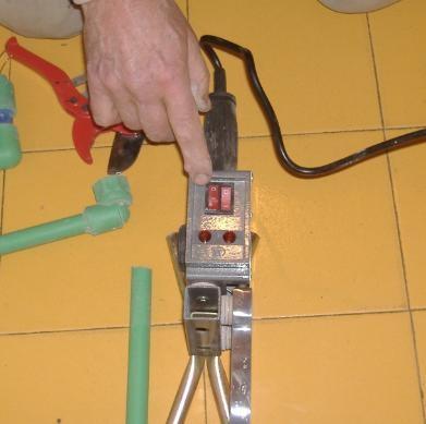 Impianto idrico come usare il polifusore per tubi plastici for Tipi di materiali per tubi idraulici