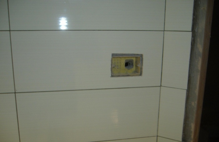 Come fare il rivestimento di un bagno in modo semplice e pulito fai da te - Come fare bombe da bagno ...
