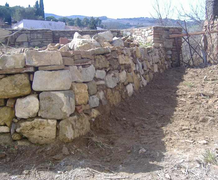 Come Costruire Un Muro Di Pietra.Come Fare Un Muro A Secco Opera Povera Dell Edilizia Fai Da Te
