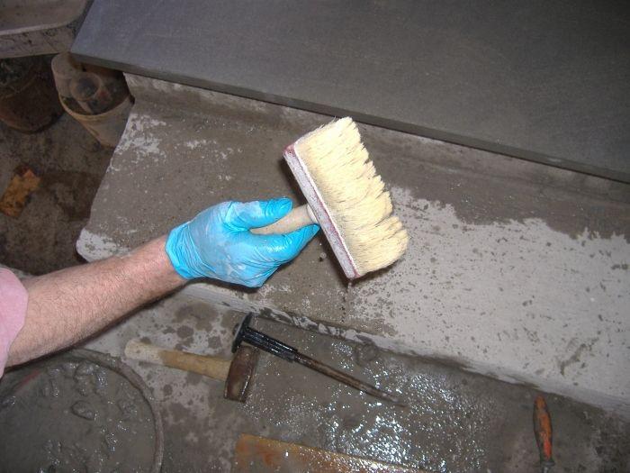 Come rivestire una scala con gradini in marmo o pietra - Pitturare una parete esterna ...