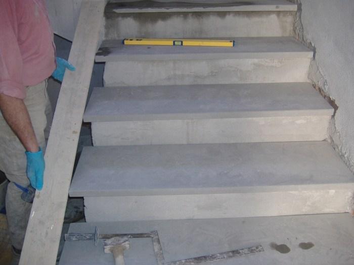 Come rivestire una scala con gradini in marmo o pietra for Scale esterne in marmo