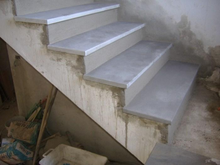 spesso Rivestimento con gradini in pietra serena. Rifinitura sottogradi  NM56