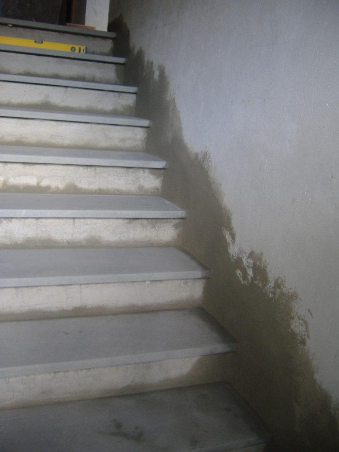 Scala rivestita in pietra serena. Come rifinire gli scalini. Fai ...