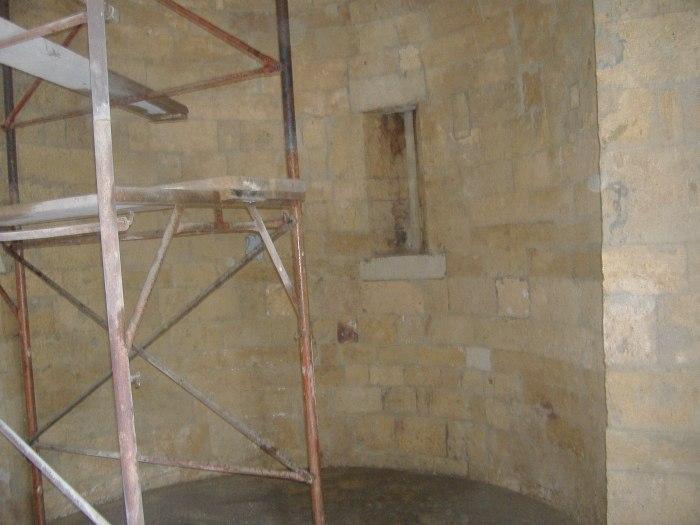 Sabbiare una facciata ed un abside in pietra a facciavista for Piani di casa con vista sull acqua