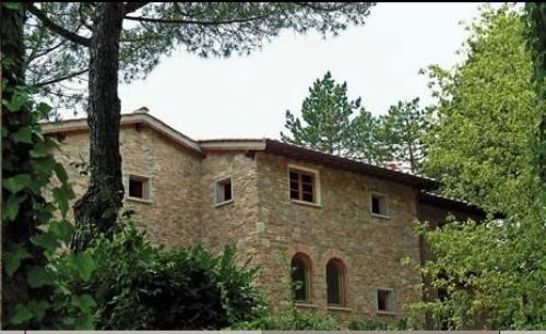 case con pietre ricostruite a facciavista che si