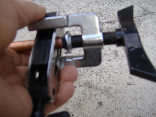 Svasatore per tubi di rame termosifoni in ghisa scheda for Tipi di raccordi per tubi di rame