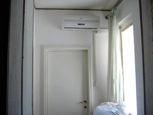 Condizionatore installazione completa fai da te - Conviene riscaldare casa con climatizzatore ...