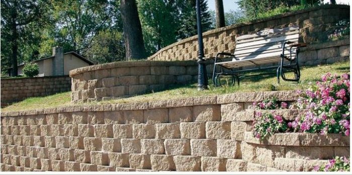 Un muro a secco, prefabbricato e adattabile in edilizia.
