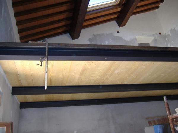 Soppalco in ferro e legno oe88 pineglen for Soppalco in legno lamellare