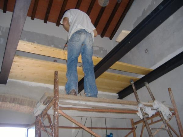 Realizzazione di un soppalco in ferro e legno come fare for Software di piano di pavimento del garage