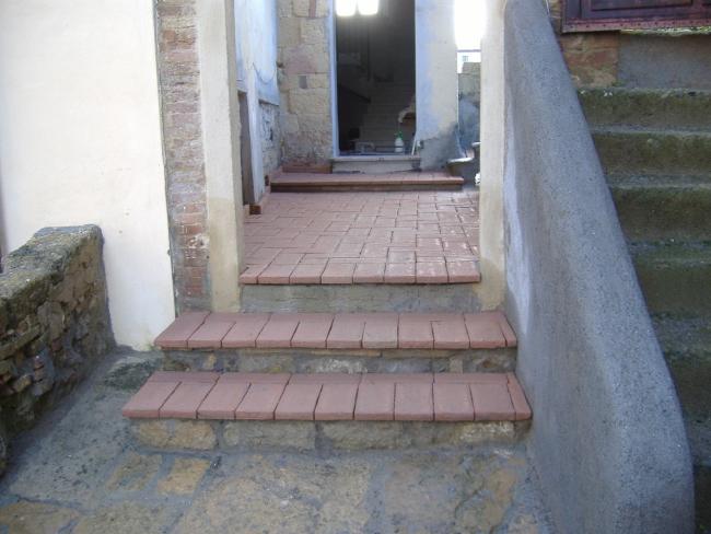 Come costruire un pavimento di cotto esterno - Cotto per scale ...