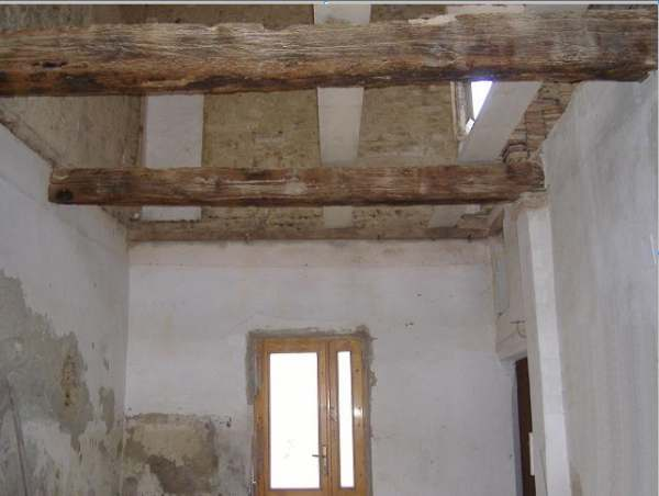 Soffitto Travi A Vista Bianco: Binomio legno bianco per una mansarda a lucca mansarda.it ...