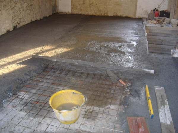 Solaio in legno formazione fasce e getto del massetto - Fai da te pavimento esterno ...