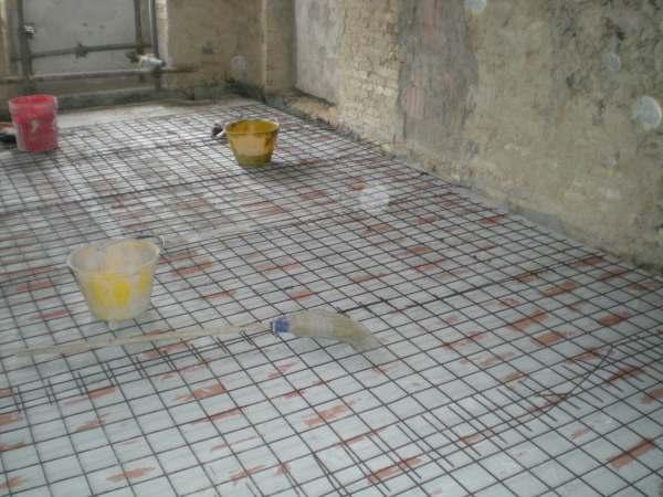 Solaio rete elettrosaldata e preparazione tracce nei muri - Tracce su muri portanti ...