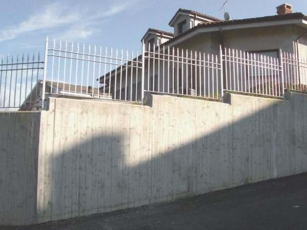 Come Si Fa Un Muro In Cemento Armato.Uso Di Un Disarmante Per Cemento Armato A Vista