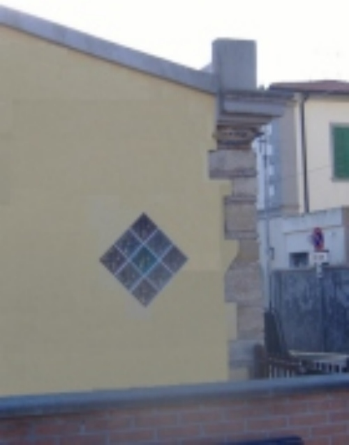 Mattonelle Di Vetrocemento Per Dare Luce Da Un Muro Posto A Confine