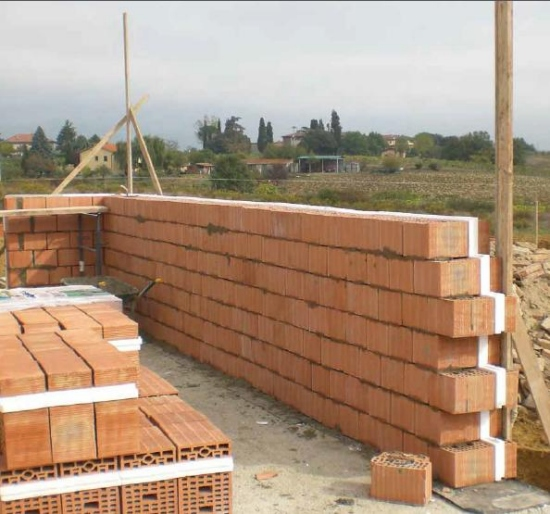 Ottimi blocchi portanti e antisismici per muratura for Prezzo per costruire una casa