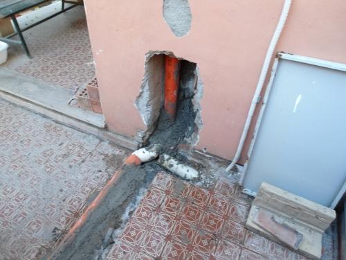 Sostituzione di una tubazione in pvc di scarico acque bianche for Trovare un costruttore di casa