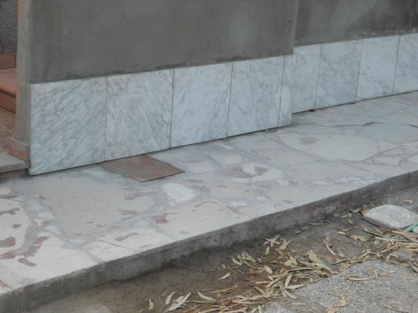 Rifacimento della zoccolatura di una facciata come - Zoccolo esterno facciata ...