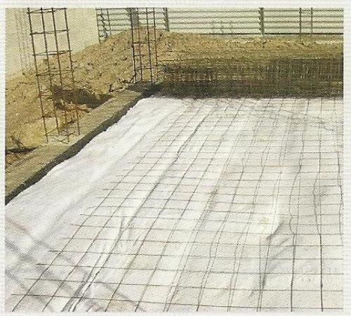 Messa in opera di argilla espansa per grandi superfici - Telo tessuto non tessuto giardino ...