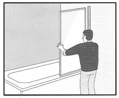 Installazione di parete salvaschizzi trasparente su una for Parete doccia leroy merlin