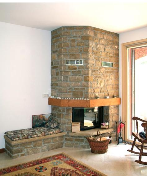 Il fascino e la semplicit della pietra naturale in edilizia for Camini rivestiti in pietra immagini