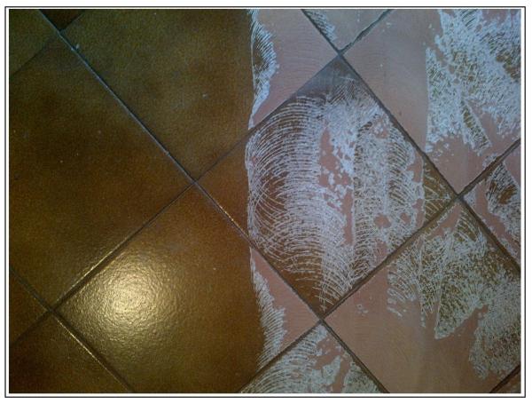 Sistema di graffiatura come garantire la presa di un nuovo pavimento su di uno preesistente - Verniciare piastrelle pavimento ...