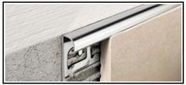 Profili tecnici metallici di rifinitura per rivestimenti e pavimenti