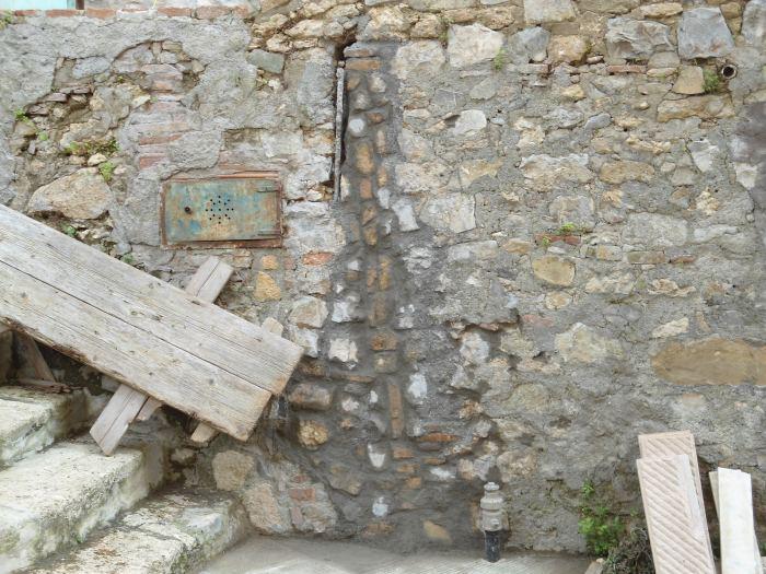 Sostituzione di una tubazione fognaria in pvc in area urbana - Tracce su muri portanti ...