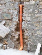 Sostituzione di una tubazione fognaria in PVC 1