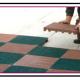 A Una mattonella plastica carrabile per formare pavimentazioni o piattaforme drenanti 2 1