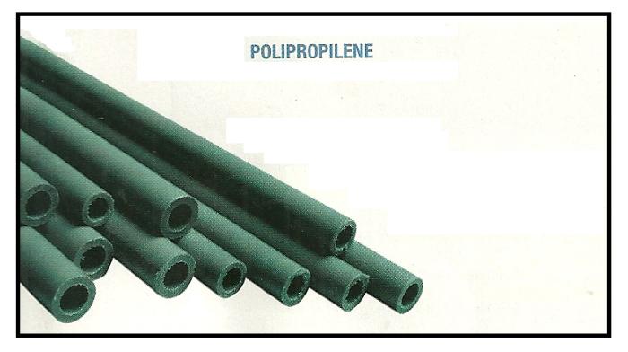 Tubazione in polipropilene con raccordi a innesto rapido for Tipi di tubi di plastica
