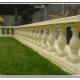 A Balaustre tradizionali in calcestruzzo per terrazze e giardini