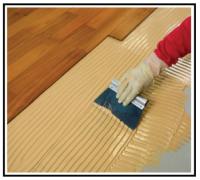 Adesivo poliuretanico per pavimenti in legno monocomponente elastico 1