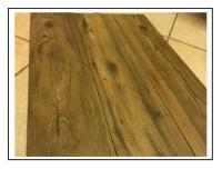 Un gres porcellanato effetto pavimenti di legno 1