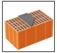 Un monoblocco portante per murature perimetrali in zone sismiche, realizzato con laterizio Poroton 1