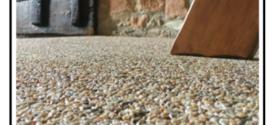 Un legante per graniglie colorate, pietre naturali e quarzi per pavimentazioni monolitiche decorative in ambienti interni ed esterni